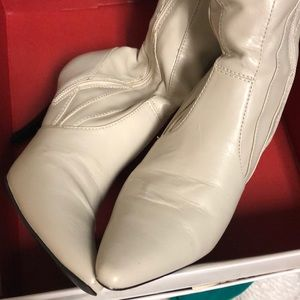 Style & Co Shoes - 5.5 Low heel Style & Co Vintage Cream color